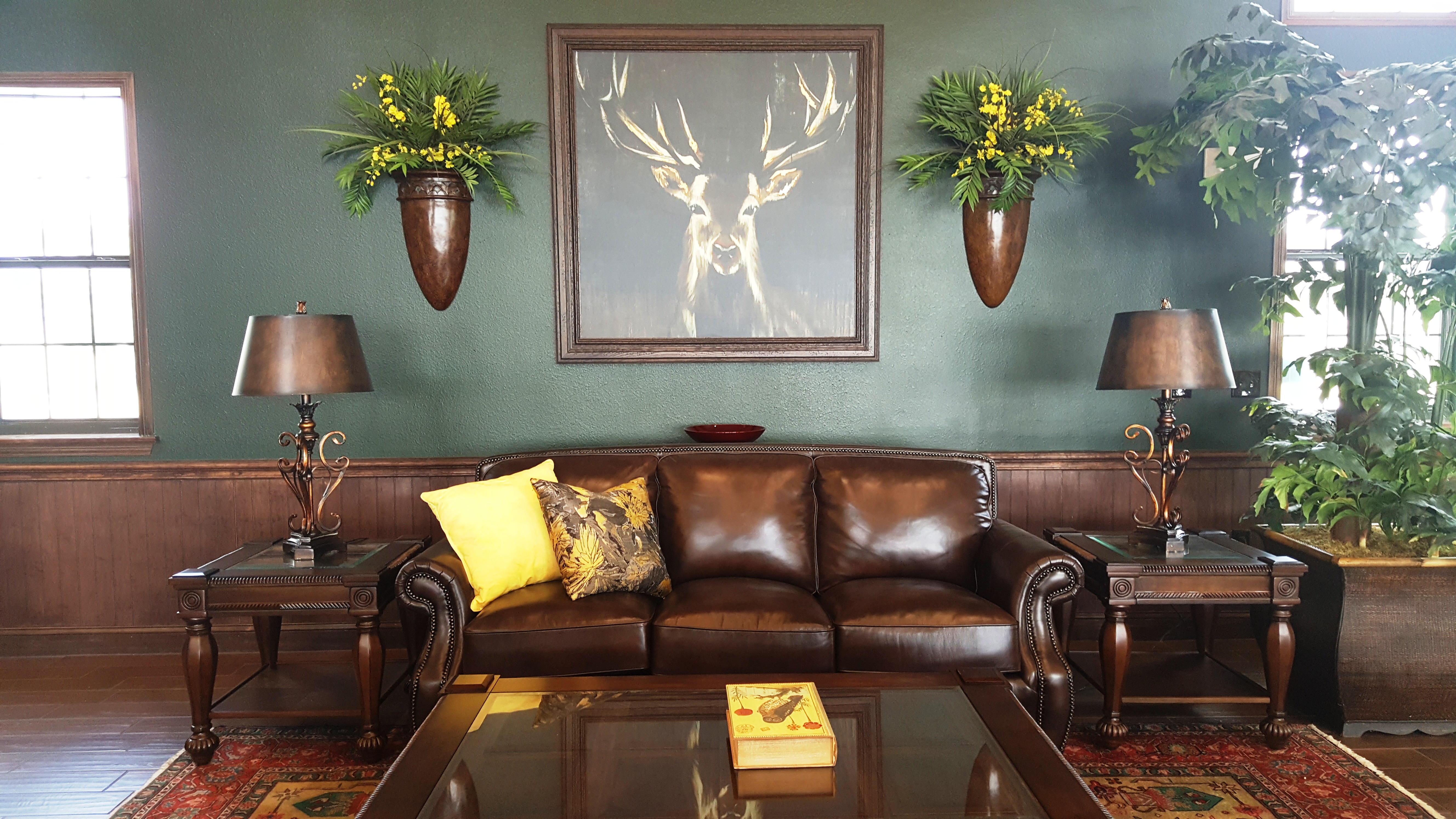 Ranch style living in the heart of corpus christi water for Texas themed living room